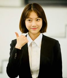 Gong Seung Yun (공승연) / Yoo Seung Yeon (유승연) Korean Actresses, Korean Actors, Actors & Actresses, Gong Seung Yeon, Korean Short Hair, Us Actress, Kdrama Actors, Korean Girl Groups, Asian Beauty