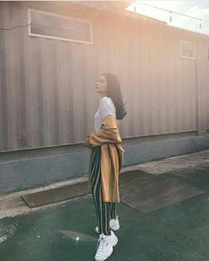 Uzzlang Girl, Festival Hair, Swag Style, Korea Fashion, Casual Outfits, Wattpad, Normcore, Ootd, Relationship