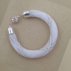 ВЯЖЕМ С БИСЕРОМ авторские схемы и не только Crochet Bracelet Pattern, Crochet Beaded Bracelets, Beaded Necklace Patterns, Bead Crochet Patterns, Bead Crochet Rope, Bracelet Patterns, Beaded Jewelry, Seed Bead Bracelets Tutorials, Beaded Bracelets Tutorial
