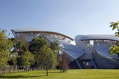 Architect Frank Gehry conceived the design for Vuitton museum during a 45-minute MRI brain scan. That's Gehry—always thinking.