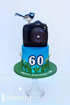 cake for a bird/photography enthusiast