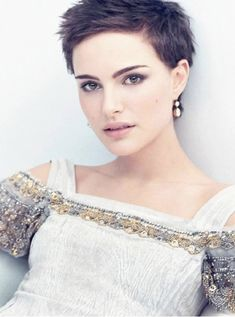 Natalie Portman-Celebrities With Really Short Hair
