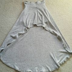 Mimi Chica High low Maxi Skirt High and low maxi skirt.Very flowy and fits really good. Mimi Chica Skirts High Low