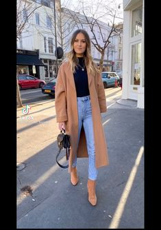 Blazer Outfits For Women, Girl Outfits, Cold Winter Outfits, Extra Petite, Cold Weather Fashion, New Wardrobe, Glamour, Style Inspiration, Clothes For Women