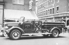 Boston, MA FD Engine 4 Mack L Series Pumper.