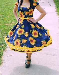 Square Dance, Girls Dresses, Summer Dresses, Vintage Floral, Looking For Women, Vintage Dresses, Kids Outfits, Costumes, My Style