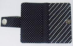 Case para celular em tecido de poá 100% algodão, com fecho de imã. Feita sob medida! #case #cartonagem #artesanato #feitoamão #ilsbelle