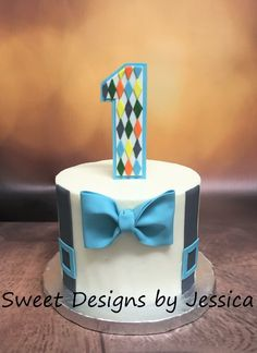 Bow tie and suspenders smash cake