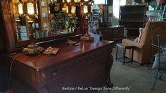 Vintage dresser with mirror! https://www.instagram.com/p/BIqFWUmhSDE/#utm_sguid=126328,616d6fae-07ba-6af1-925a-2a8df92ebc2c