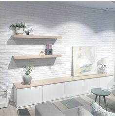 Ayer inauguraron, en c/Balmes el primer Kenay Home de Barcelona. Al finalizar mi jornada laboral corrí rauda y veloz a la tienda, porque me apetecía mucho conocerla y me pillaba mu Living Room Tv Wall, Living Room Tv, Home And Living, Living Room Designs, Living Decor, Home Decor, House Interior, Room Decor, Home Deco
