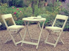 Our high quality Raffles Bistro Set is crafted from solid Acacia, a smooth natural hardwood with very few knots and renowned for its extreme hardness and resilience to weathering. The Bistro Set makes a perfect addition to any garden so you can enjoy Cheap Patio Furniture, Garden Furniture, Outdoor Furniture Sets, Furniture Ideas, Furniture Design, 10 Seater Dining Table, Round Table And Chairs, Teak, Corner Dining Set