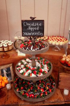 Chocolate dipped strawberries weclome guest at this wedding dessert table. Dessert Bar Wedding, Wedding Desserts, Dessert Bars, Wedding Desert Bar, Easy Wedding Food, Wedding Ideas, Wedding Snacks, Wedding Food Stations, Wedding Reception Food