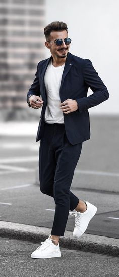 15 Easy Mens Fashion Casual Tricks For A Sharper Look! - 15 Easy Mens Fashion Casual Tricks For A Sharper Look! Blazer Outfits Men, Stylish Mens Outfits, Mens Fall Outfits, Cool Outfits For Men, Winter Outfits, Blazers For Men Casual, Casual Blazer, Casual Wear, Work Wardrobe Essentials