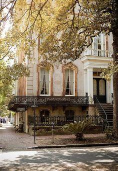 """ Noble Hardee Mansion Savannah, GA "" White, Gold, and Black facade Beautiful Architecture, Architecture Design, Classic Architecture, Exterior Design, Interior And Exterior, Modern Interior, Mansion Homes, The Mansion, Dream Mansion"