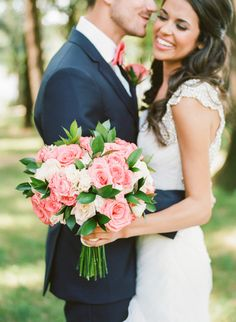 Classic pink + white rose bouquet: http://www.stylemepretty.com/oklahoma-weddings/broken-arrow-oklahoma/2016/02/29/elegant-outdoor-country-club-wedding/ | Photography: Amanda Watson - http://amandawatsonphoto.com/