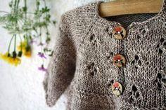beautiful newborn gift by @Sunniest 6 Months Crétin-Léchenne #knitting #newborn