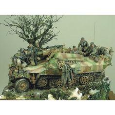 Sd.Kfz. 251/9 Kanonenwagen  By: Volker Bembennek  From: Pinterest  #scalemodel #plastimodelismo #war #guerra #guerre #bataille #modelismo #plasticmodel #plastimodelo #plastickits #usinadoskits #udk #miniatura #miniature #maqueta #maquette #modelismo #modelism #modelisme #diorama #dio #seaking