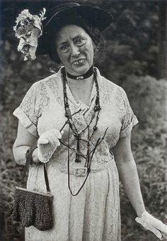 Cora Pratt the Counterfeit Lady - alter ego of Polly Bushong.  Diane Arbus 1961