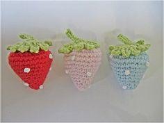 crochet strawberries