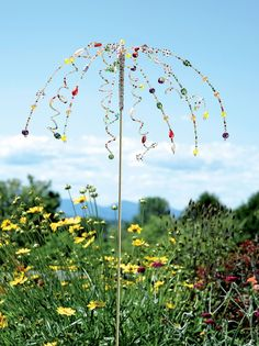 Beaded String Stake A Bottle Tree is a sparkling glass sculpture that you design. Just add different color bottles to your bottle tree. Garden Crafts, Garden Projects, Garden Art, Herb Garden, Garden Beds, Gardening Supplies, Solar Light Crafts, Hydrangea Care, Metal Yard Art