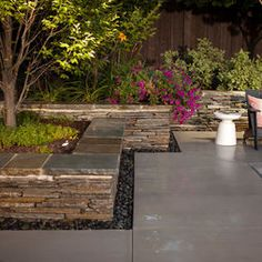 Small Backyard Landscaping Pictures Design, Pictures, Remodel, Decor and Ideas - page 7 (rock garden borders stones) Modern Backyard Design, Modern Landscape Design, Small Backyard Landscaping, Landscaping With Rocks, Modern Landscaping, Garden Design, Backyard Designs, Landscaping Borders, Landscaping Ideas