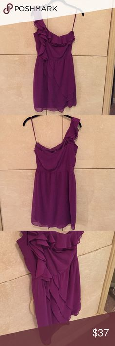 Purple Gianni Bini one shoulder dress xsmall Beautiful purple cocktail dress with one exposed shoulder. Perfect condition and only worn once. Flattering silhouette and color. Size extra small. Gianni Bini Dresses One Shoulder