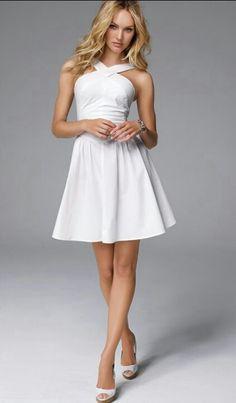 Want that white dress! It looks so prefect!!