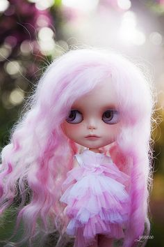 Just soft n pretty!!! Like the hair flowy and out of braids idea too!