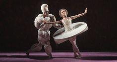 oskar schlemmer triadic ballet | Das Triadische Ballett. Colleen Scott, Ivan Liška. ©Gert Weigelt