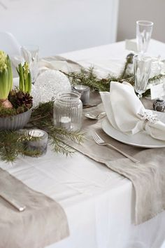 FOCAL POINT STYLING: 6 THANKSGIVING & HOLIDAY TABLESCAPE ESSENTIALS