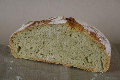 Eltefritt grønn squashbrød er ikke så rart som det kanskje høres ut som. Som gulrøtter brukes squash gjerne til kaker og som med gulrøtter er resultatet en saftig smakfull kake med en ekstra bonus av tilsatte grønnsaker. Det samme gjelder brødet. Utrolig saftig! Dette er et noe større brød, men jeg bruker samme størrelse på [...]Read More...