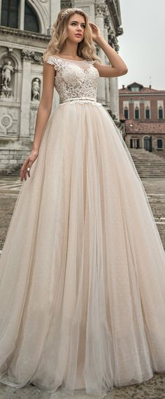 Modest Tulle Scoop Neckline See-through Bodice A-line Wedding Dress With Lace Appliques