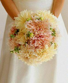 Bukiet ślubny - boski! Co to za kwiaty?