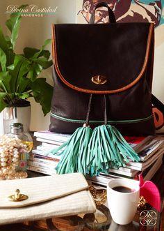 Back  Bag en chocolate x menta by DCH www.divinacastidadhandbags.com