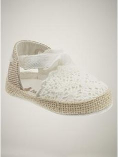These would be perfect for my baby niece! So chic and laid back!