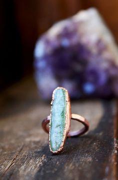 anello di pietra verde, cianite verde anello, anello di rame, anello elettroformato, anello rustico grezzo grezzo