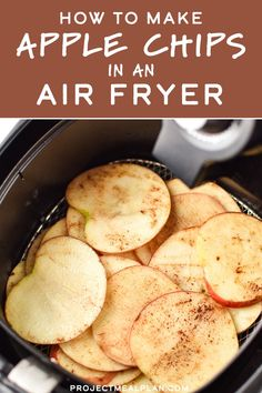 Recipes Snacks Sweet Apple chips are a delicious healthy snack that can be made right at home in your air fryer! They're simple to make, perfect for kids and adults, and have no added sugar. Here's How to Make Apple Chips in an Air Fryer! Air Fryer Oven Recipes, Air Frier Recipes, Air Fryer Dinner Recipes, Air Fryer Recipes Vegetables, Air Fryer Recipes Potatoes, Air Fryer Recipes Breakfast, Yummy Healthy Snacks, Healthy Recipes, Air Fryer Recipes Vegetarian