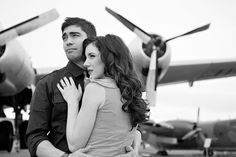 Such Great Heights: Airplane Engagement Session by Mikki Platt Photography Engagement Pictures, Engagement Shoots, Engagement Photography, Photography Poses, Couple Posing, Couple Portraits, Funny Maternity Photos, Flight Attendant Life, Pin Up