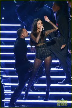 Selena Gomez's AMAs 2015 'Same Old Love' Performance Video - Watch Now!