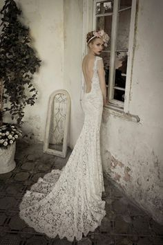 a beautiful lace wedding gown by israeli designer Lihi Hod, 2014