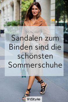 Schuh-Trend Strappy Sandals: Shoppe hier die schönsten Sandalen zum Binden Forever New, Vogue, Beautiful Sandals, Cooler Look, Espadrilles, Strappy Sandals, Flats, Most Beautiful, Tie