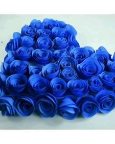 Paper Flowers Craft, Easy Paper Crafts, Paper Crafts Origami, Flower Crafts, Diy Crafts Hacks, Diy Crafts For Gifts, Fun Crafts, Paper Flower Tutorial, Valentine Crafts