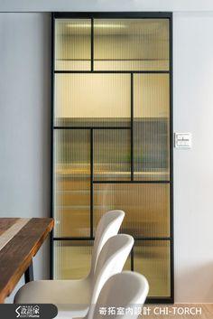sliding doors for shower Partition Design, Glass Partition, Glass Design, Door Design, House Design, Steel Doors And Windows, Showroom Interior Design, Window Grill, Room Doors
