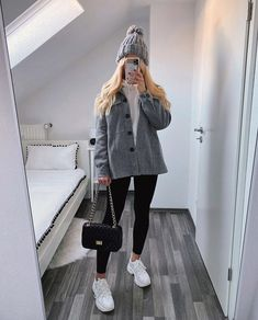 Trendy Fall Outfits, Casual Winter Outfits, Pretty Outfits, Stylish Outfits, Girls Fashion Clothes, Winter Fashion Outfits, Look Fashion, Friday Outfit, Mein Style