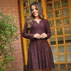 { Vestido lindo lady like em renda da @bellabellemodas } @bellabellemodas} Fica dão lindo no corpo ❤️ Para compra: WhatsApp (11) 99155-8289 Site: www.bellabellemodas.com.br  Bella Belle Modas - Moda Evangélica e Executiva com os melhores preços no varejo