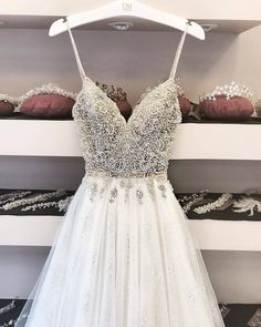 Very long class dance dresses and prolonged formal dresses for dances and balls. Hoco Dresses, Dance Dresses, Pretty Dresses, Homecoming Dresses, Beautiful Dresses, Formal Dresses, Dresses 2016, Beautiful Dream, Bridal Dresses