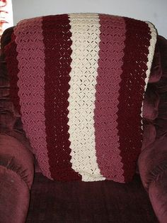[Free Pattern] This Amazingly Simple Blanket Looks Spectacular And Works Super Fast - Knit And Crochet Daily