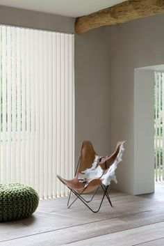 Vertical Window Blinds, Blinds For Windows, Curtains With Blinds, Window Coverings, Window Treatments, Apartment Living, Living Room, House Blinds, Villa Design