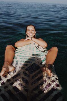 Casal clica imagens incríveis de sua vida de sonho viajando pelo mundo – Nômades…