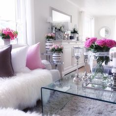 Here are the Pink Living Room Design Ideas. This article about Pink Living Room Design Ideas was posted under the Living Room category by our team at February 2019 at am. Hope you enjoy it and don't forget . Romantic Living Room, My Living Room, Home And Living, Living Room Decor, Bedroom Decor, Small Living, Bedroom Romantic, Cozy Living, Modern Living